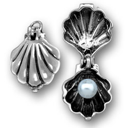 Moveable Shell Charm Image